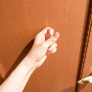 屋内ドア 鍵無し(空錠)レバーハンドルドア のラッチ機構